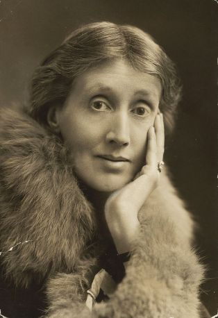 Virginia_Woolf_1927.jpg