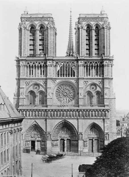 Édouard_Baldus,_Facade_of_Notre-Dame_de_Paris,_between_1851_and_1870.jpg